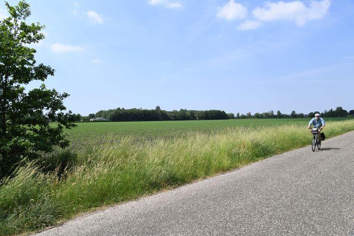 Het groen tussen Rijen en de Tilburgse wijk De Reeshof nabij Hulten ligt voor een groot deel in de aanvliegroute van de vliegbasis Gilze-Rijen.