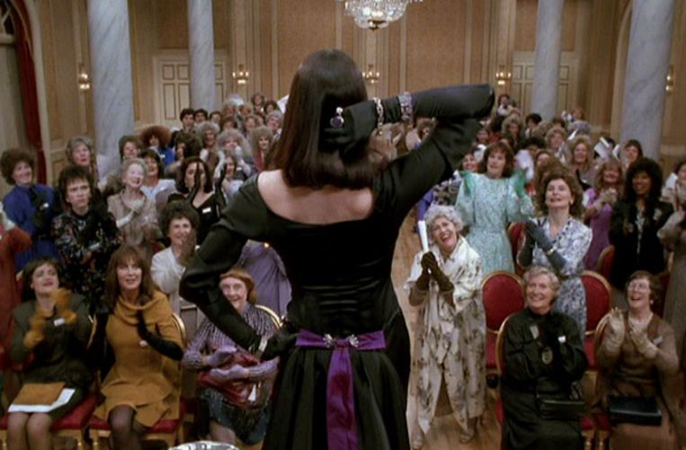 Anjelica Huston in The Witches. Beeld