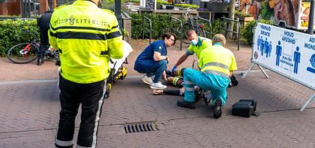 Wielrenner raakt gewond bij ongeluk met auto: slachtoffer naar het ziekenhuis
