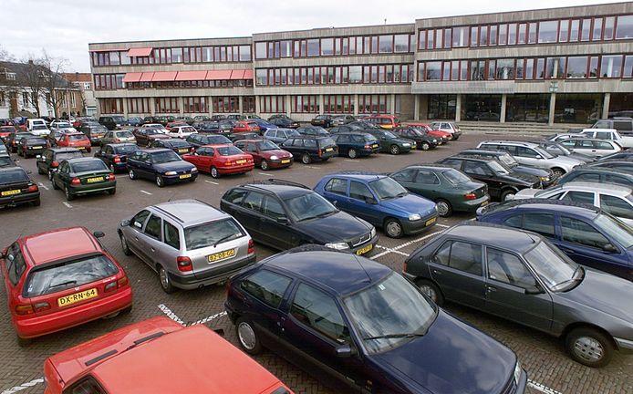 Om de doorstroming bij de vaccinatiestraten in de voormalige bibliotheek te bevorderen, zou de gemeente volgens het CDA het kort parkeren op de Ganzenmarkt gratis moeten maken voor de vaccinatiegasten.