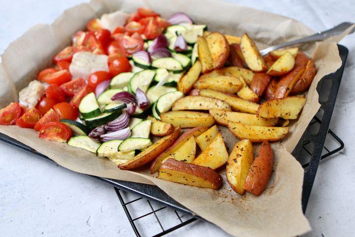 Traybake met kabeljauw en mediterrane groenten