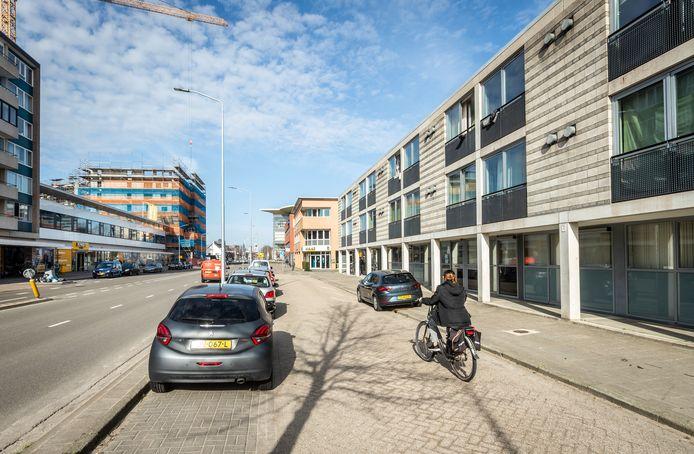 In Eindhoven aan de Boschdijk is een opvanglocatie voor verslaafden, dit zorgt voor de nodige overlast ook bij de tegenover gelegen Jumbo supermarkt.