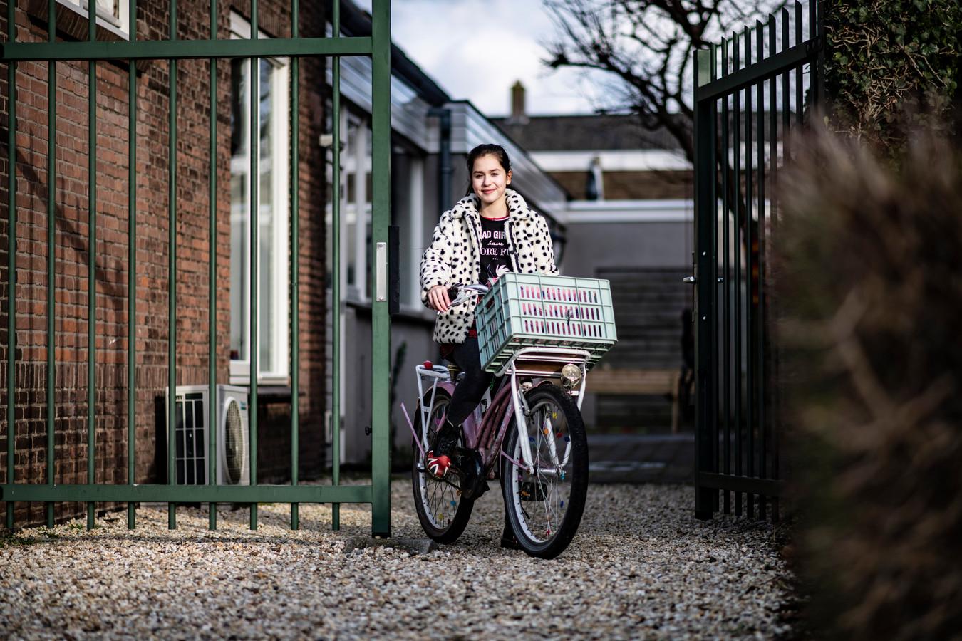 """Achtstegroeper Juniper Setton uit Nijmegen kiest voor de vrijeschool.  ,,Euritmie vind ik een beetje saai."""""""