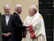 Katholieke kerk in VS overweegt Biden recht op communie te ontzeggen vanwege abortusstandpunt