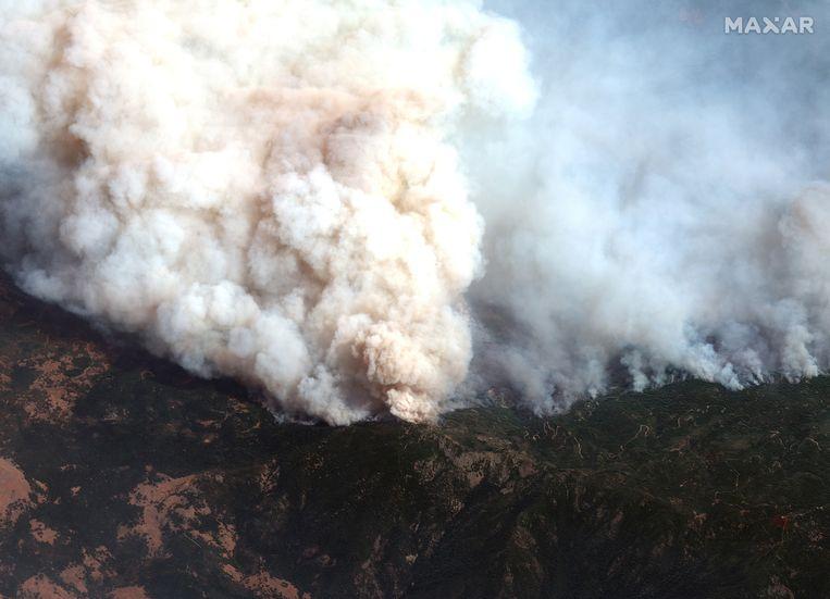 Een luchtfoto van een van de vele bosbranden in de staat Californië aan de westkust van de Verenigde Staten. (14/09/2020) Beeld via REUTERS/MAXAR