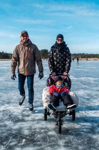 """Jong en oud geniet met volle teugen van sneeuw- en schaatspret op Kalmthoutse Heide: """"Een tuimelingske? Dat hoort erbij, hé!"""""""