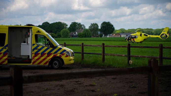 Vrouw valt ongelukkig van op hol geslagen paard in Deurne.