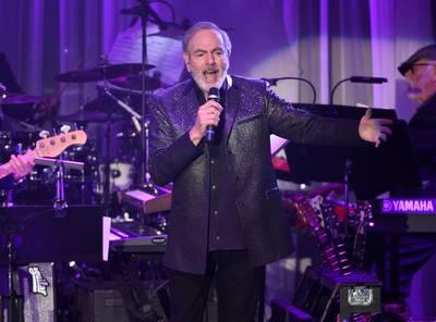 Neil Diamond moet rest van tournee afzeggen door ziekte van Parkinson