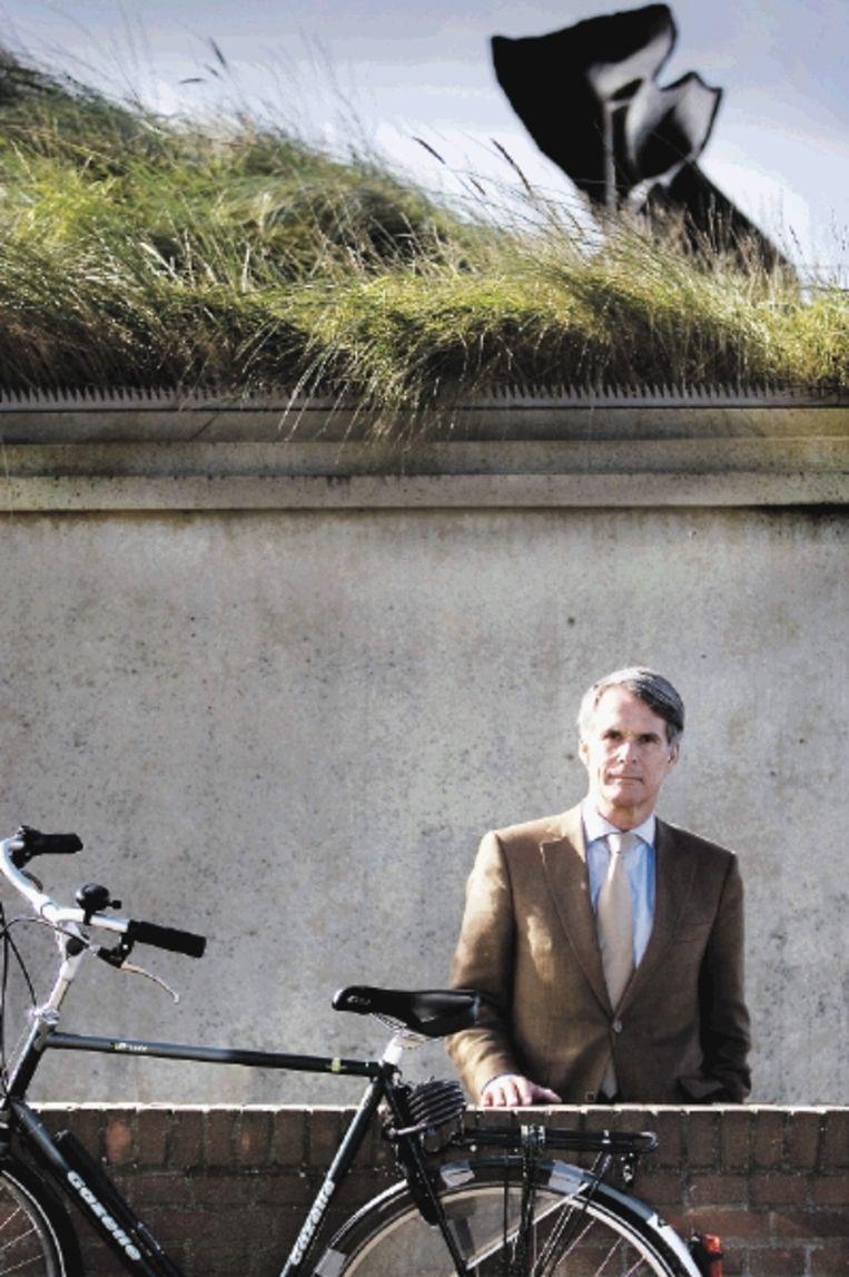 Dick Berlijn maakte een fietspelgrimage naar Santiago de Compostela. 'Zo onderweg praat je heel gemakkelijk met vreemden over diepe onderwerpen'. (FOTO WERRY CRONE, TROUW ) Beeld