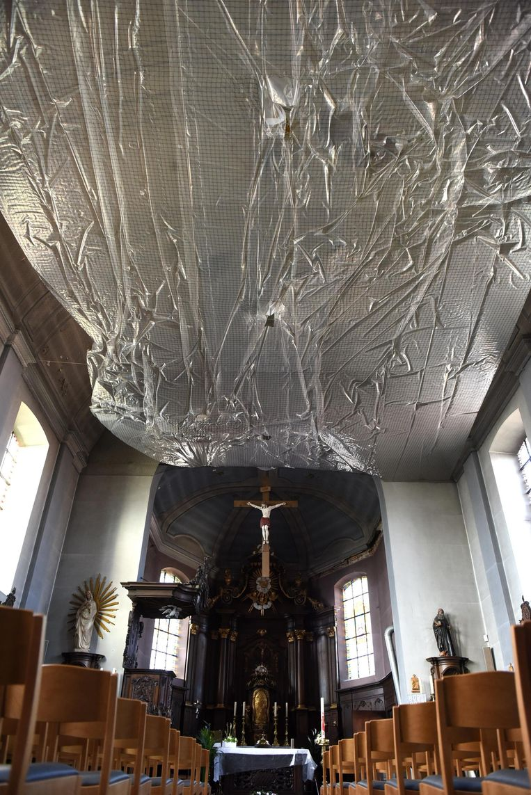 De kerk maakt deel uit van het beschermde dorpsgezicht, maar is al enkele jaren gesloten voor het publiek omdat er stenen uit het plafond vallen. Die worden voorlopig nog opgevangen door een veiligheidsnet.