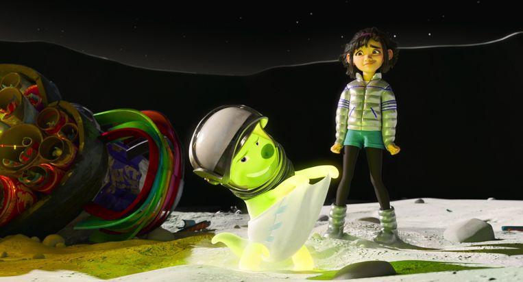 Gobi en Fei Fei in 'Over the Moon'. Beeld Netflix