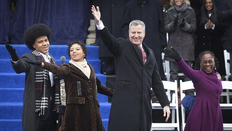 Burgemeester Bill de Blasio met zijn zoon Dante, dochter Chiara en echtgenote Chirlane. Beeld REUTERS