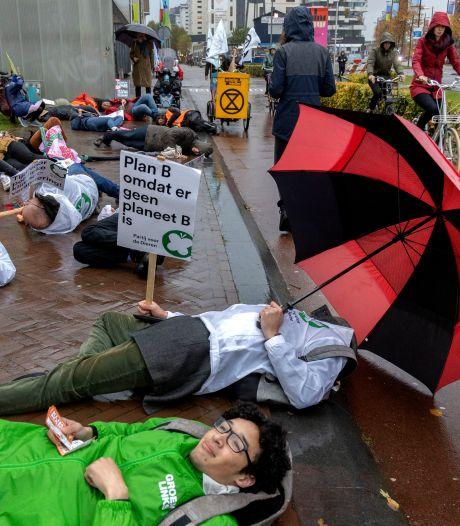 Klimaatdemonstratie Eindhoven in de stromende regen