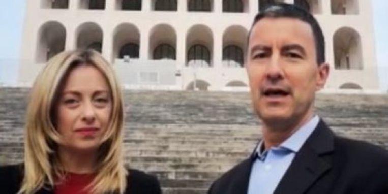 Caio Giulio Cesare Mussolini en partijvoorzitter Giorgia Meloni. Beeld Twitter/Giorgia Meloni