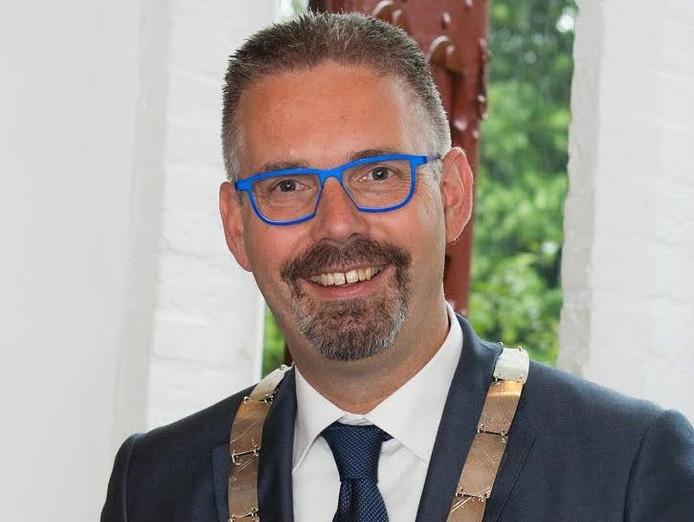 Burgemeester Frans de Lange van Elburg.
