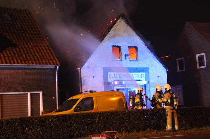 Brand bij Kleurenrijk in Vehgel