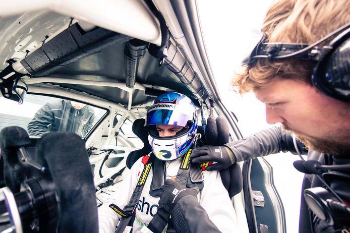 Jamie Vandenbalck behaalde in Zandvoort twee tweede plaatsen met de BMW van Xwift Racing.