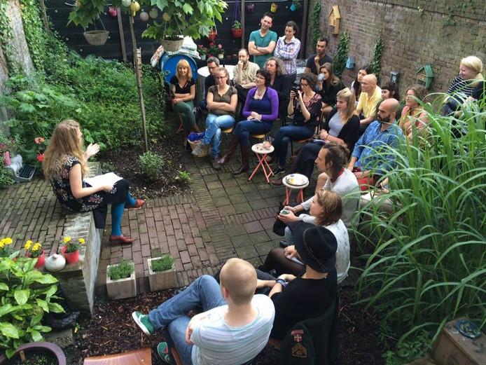 Poëzie-avond in de tuin bij Mieters