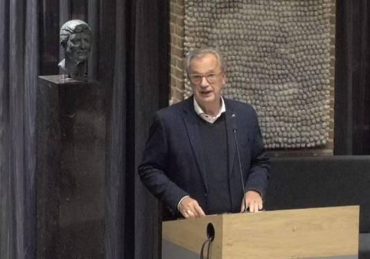 Wethouder Jan Goijaarts van Meierijstad aan het woord tijdens de commissievergadering in Sint-Oedenrode.
