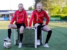 Minke en Linde (19) gaan voetballen in hoogste, Belgische vrouwencompetitie (en wonen straks 'op kot')