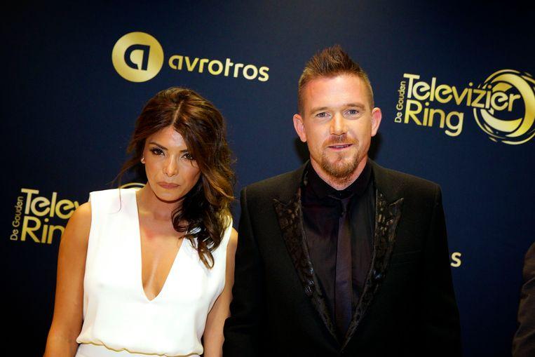 Johnny de Mol met zijn toenmalige vriendin Shima bij het Gouden Televizier-Ring Gala 2014. Beeld ANP Kippa
