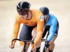 Harrie Lavreysen klopt Jeffrey Hoogland in titanenstrijd en is weer wereldkampioen op de keirin