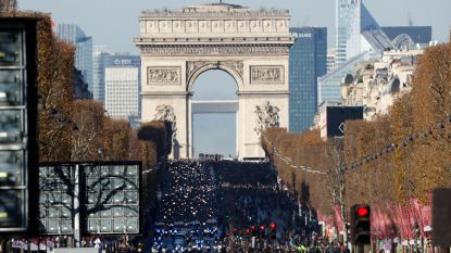 Fransen nemen massaal afscheid van rockheld Johnny Hallyday