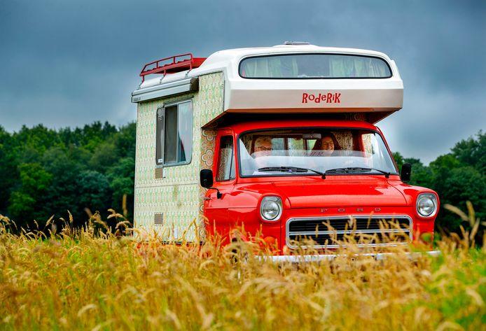 Op je gemak door Nederland rijden: veel relaxter dan met zo'n busje half Europa willen meepakken.