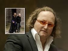 Dion Graus trouwt in Gothic-stijl, Wilders is getuige