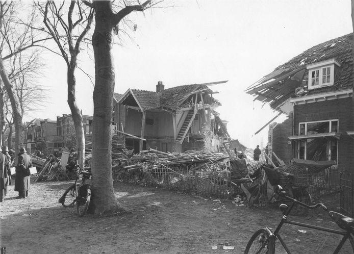Woning aan de Hatertseweg 43 werd in maart 1942 vernield door de inslag van een brisantbom.