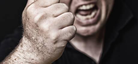 Zwaargestoorde man die Twents bankpersoneel bedreigde gaat vrijuit