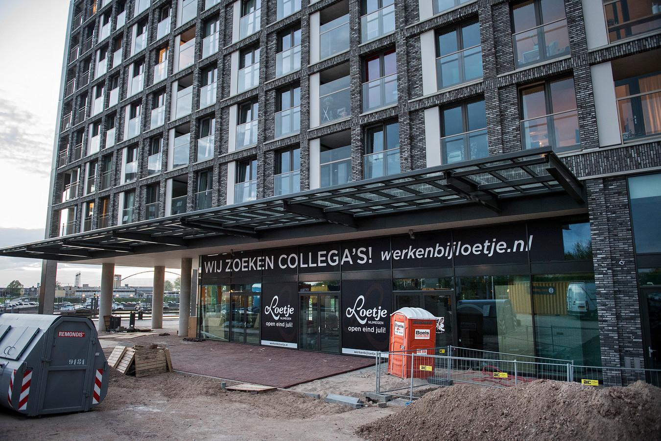Loetje, het nieuwe restaurant  aan de Handelskade in Nijmegen, is op zoek naar personeel.