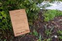 Het bord op de troostplek in het Vrijbroekpark