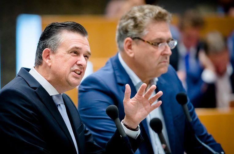 Emile Roemer (SP) en Henk Krol (50Plus). Rutte noemt Roemer een oprecht mens. 'Hij deugt, maar niet zijn ideeën.' Beeld ANP