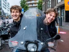 Utrecht stuurt snorfietsers van fietspad naar rijbaan: 'Dan pak ik maar de fiets'