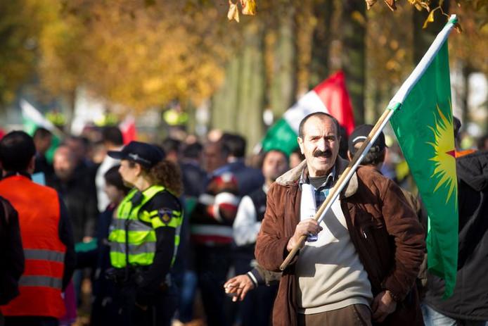 Koerden bij een demonstratie op het Malieveld in 2014.