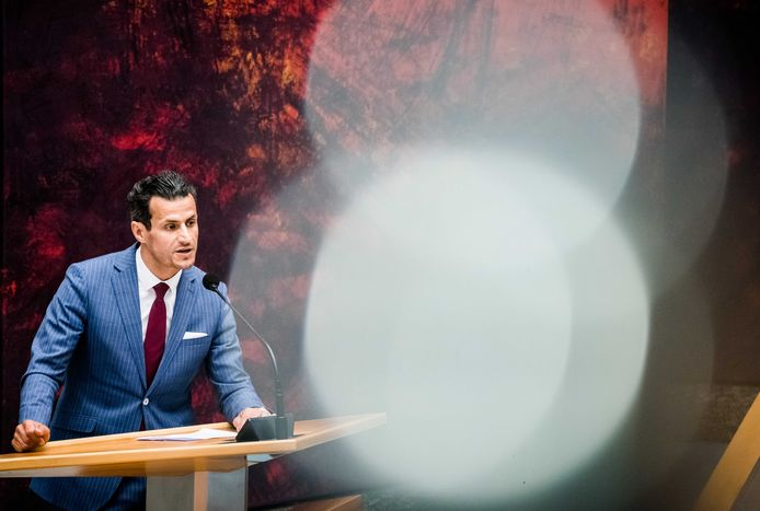 Farid Azarkan tijdens een debat in de Tweede Kamer over de ontwikkelingen rondom het coronavirus.