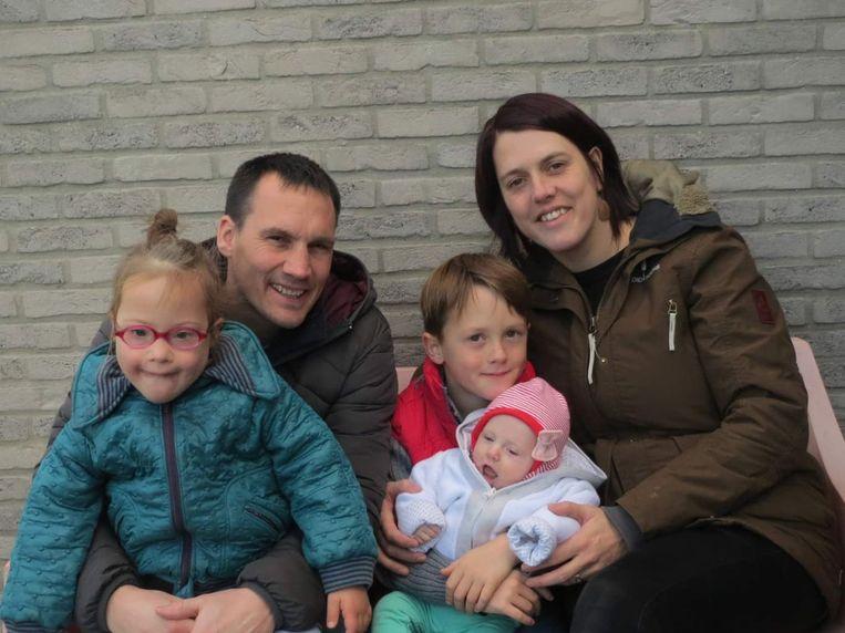 Het gezin van Wouter Vanhonsebrouck (36) en Sofie Jansseune (36) werd op 21 januari getroffen door hun brand. Kinderen Siebe (7), Jietse (5) en Wies (7 maanden) zijn al hun speelgoed kwijt.