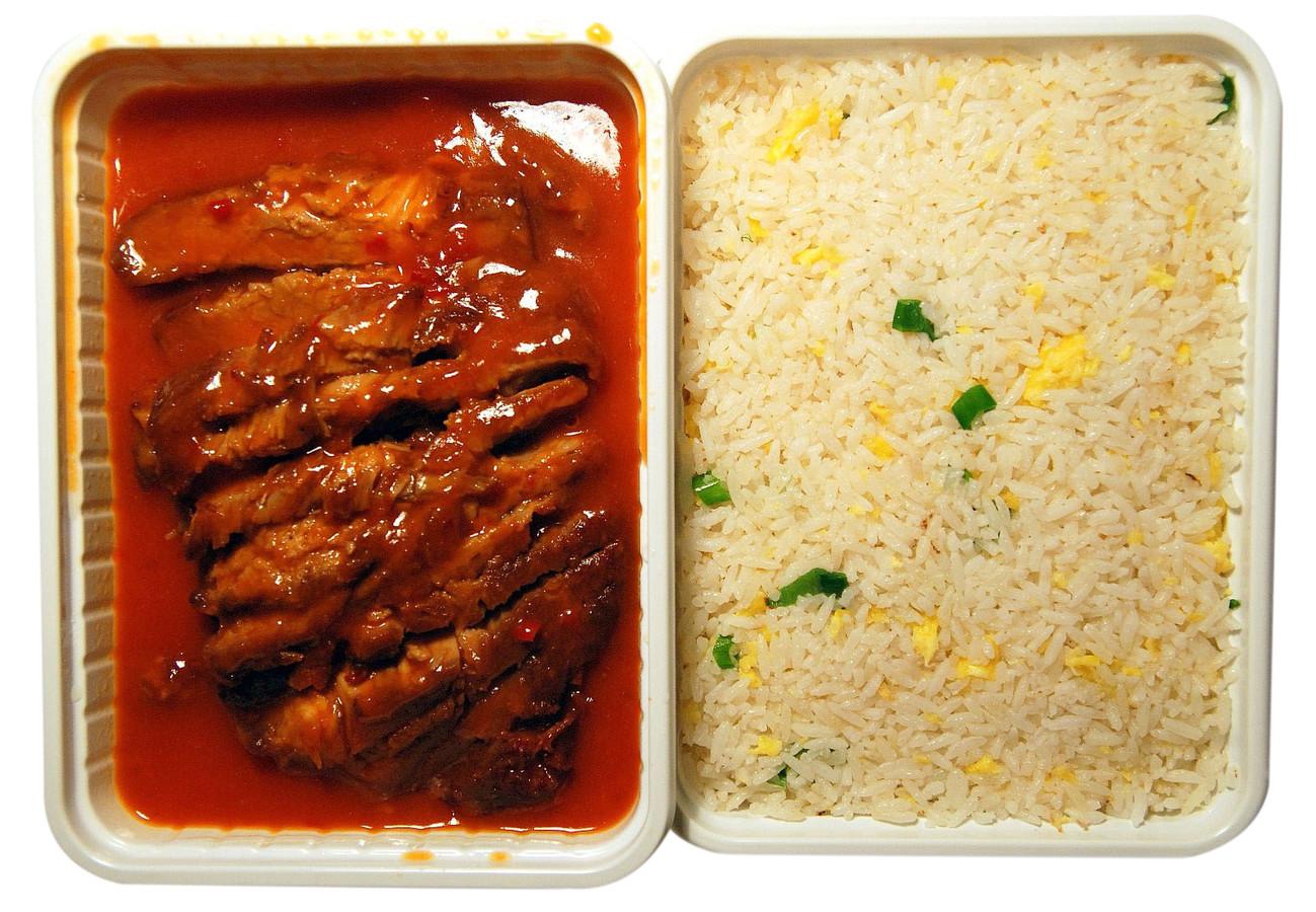 Babi Pangang met nasi goreng.