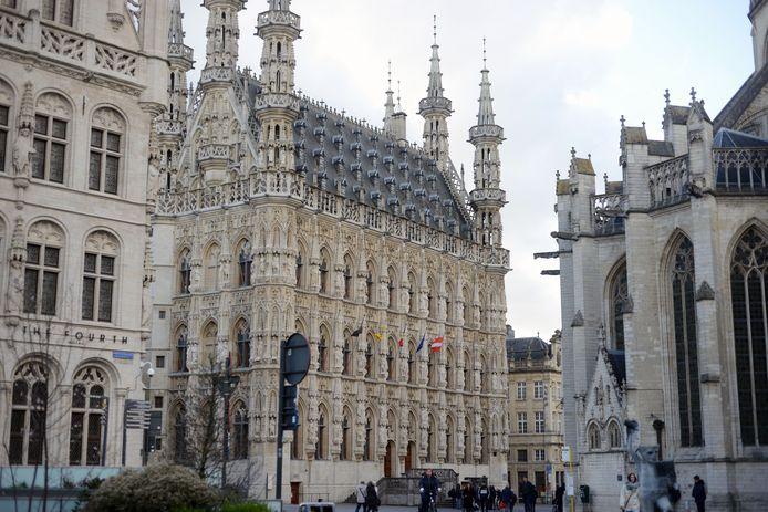Het stadhuis op de Grote Markt in Leuven.