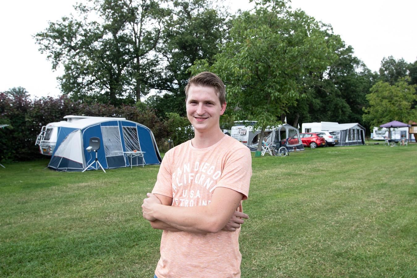 Roy Lammers, zoon van Gerrit, die vier dagen per week op camping en camperplaats De Grimberghoeve werkt.