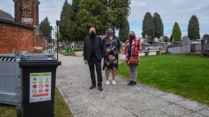 """""""Doe zoals je het thuis ook doet"""": nu ook afval sorteren op begraafplaatsen"""