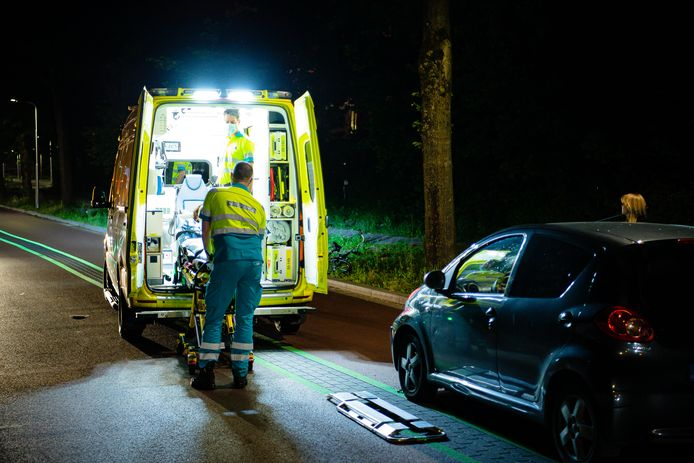 Fietser gewond na aanrijding in Tilburg.