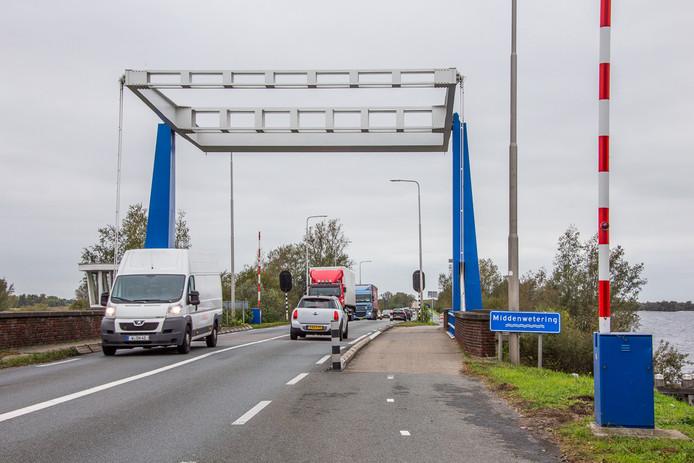 De Denmerikse brug in de N201 bij Vinkeveen.
