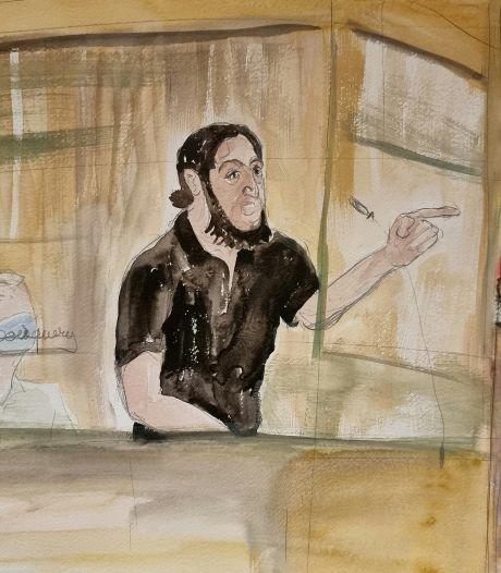 """Un premier enquêteur à la barre déjà interrompu par Abdeslam: """"Si vous continuez, vous allez sortir!"""""""
