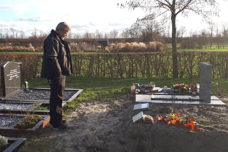 Begraafplaatsbeheerder Ad Filius. Beeld Emiel Hakkenes