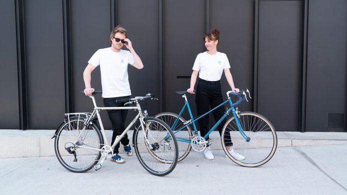 Brecht en Charlotte met fietsen van Erts Cycles.