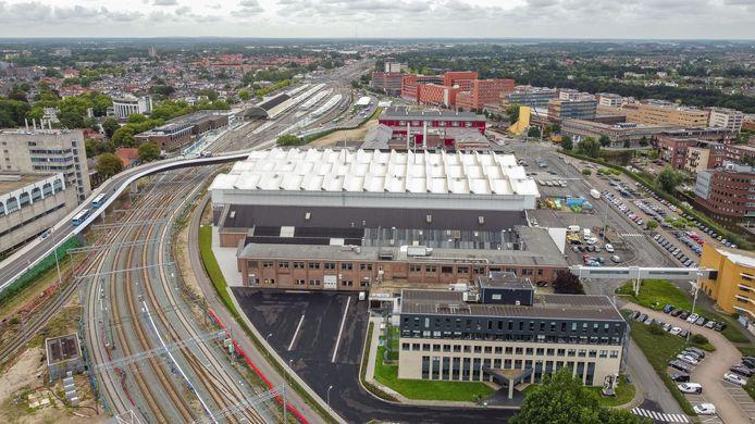 Stationsgebied Zwolle. Met op de voorgrond de hoek met nu nog industrie van o.a. Wärtsilä. Het gebied zal de komende jaren flink veranderen.