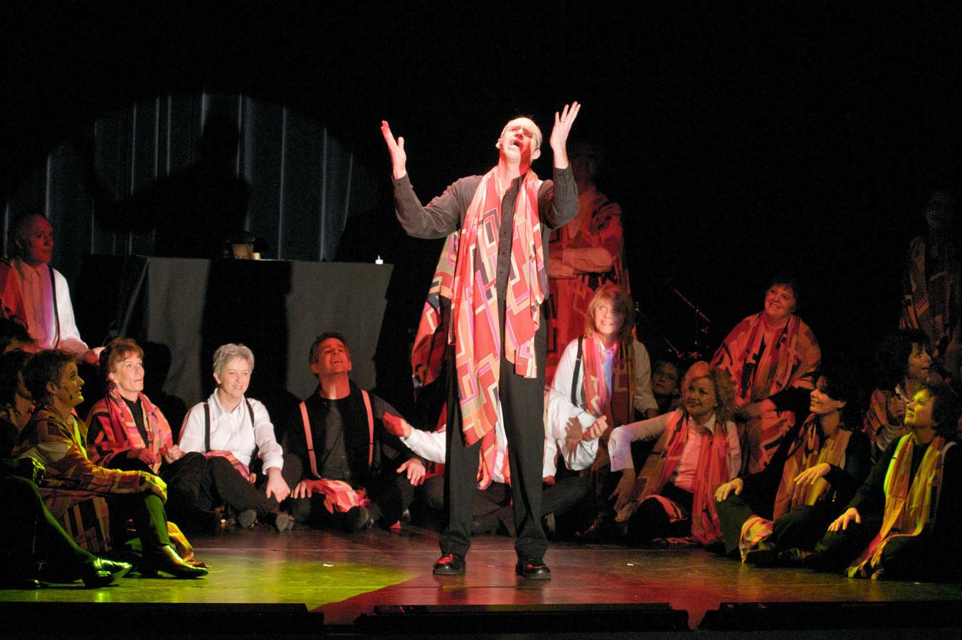 Een archieffoto uit 2009 van een voorstelling van Music for All van de voorstelling Fiddler on the Roof.