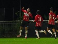 Maxi Romero helpt Jong PSV met eerste goal in ruim een jaar aan zege op VVV